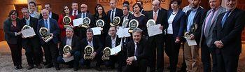 Foto de familia de las bodegas premiadas.