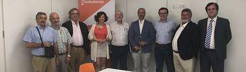Orlena De Miguel con representantes de la pesca.