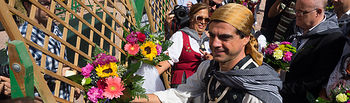 Ofrenda de Flores a la Virgen de Los Llanos en la Feria de Albacete 2016