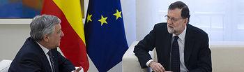 El presidente del Gobierno, Mariano Rajoy, durante su reunión en La Moncloa con el presidente del Parlamento Europeo, Antonio Tajani.