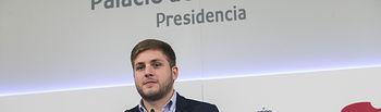 El portavoz del Gobierno regional, Nacho Hernando, informa, de los acuerdos del Consejo de Gobierno en el Palacio de Fuensalida. (Fotos: Ignacio López//JCCM)