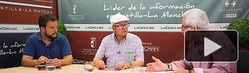"""Orcar Colmenar y Juan Cantos, de la cuadra de picar \""""Pimpi de Albacete\"""", junto al director del Grupo Multimedia de Comunicación La Cerca, Manuel Lozano"""