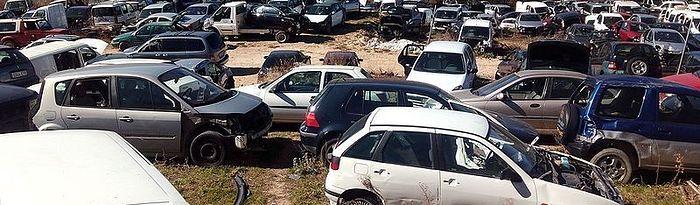 Desguace. Foto: Wikimedia Commons/Jordiferrer