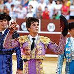 El novillero Juan del Álamo cortó una oreja de ley a su primero en suerte, metiéndose en el bolsillo a la afición de Albacete.