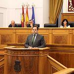 Paco Núñez durante la segunda sesión del debate de investidura.