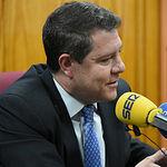 El presidente de Castilla-La Mancha, Emiliano García-Page, durante la entrevista que ha concedido hoy a la Cadena SER para tratar temas de actualidad. (Fotos: José Ramón Márquez // JCCM)
