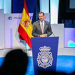El presidente de Castilla-La Mancha, Emiliano García-Page, acompaña al Rey Felipe VI, en el Palacio de Congresos El Greco, a la inauguración de la Conferencia Internacional 'Igualdad de Género en el ámbito de la seguridad'. (Fotos: A. Pérez Herrera // JCCM).