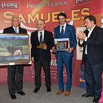 David Adalid recibe el IX Premio Samueles a la Mejor Faena realizada por un Subalterno.