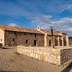 Ermita de Villalgordo y Casa del Santero. Magnífico conjunto monumental situado en el término de El Ballestero.
