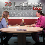 Dolores Suárez, presidenta de la IGP Ajo Morado de Las Pedroñeras, junto a la periodista Miriam Martínez.