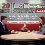 Pedro Soriano, candidado a la alcaldía de Albacete por Contigo Somos Democracia, junto a la periodista Carmen García