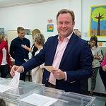 Vicente Casañ, candidato de Ciudadanos a la alcaldía de albacete, ejerce su derecho al voto en las Elecciones Europeas, Autonómicas y Municipales del 26M de 2019