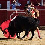 Primer Toro de Enrique Ponce en la Corrida de Asprona del 11 de junio de 2017