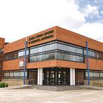 Edificio de la Escuela Técnica Superior de Ingenieros Agrónomos en el Campus de Albacete.