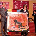 Fernando Lamata, presidente del Patronato de la Fundación Castellano-Manchega de Cooperación y Consejero de Salud y Bienestar Social de C-LM, recibió de Carmen Oliver, alcaldesa de Albacete, el Premio Solidario 2009.