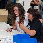 Laura Maranchón y Ana Isabel de León en las instalaciones de AMIAB