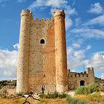 El Castillo de Alcalá del Júcar es una obra musulmana de los siglos XII-XIII.