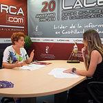 Maribel Cabañero, secretaria general de CCOO-Construcción y Servicios de Albacete, junto a la periodista Miriam Martínez