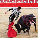 Miguel Tendero, en su primer toro.