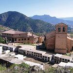 Imagen de Riópar Viejo desde el cementerio de la localidad. Se puede ver la Iglesia Parroquial del Espíritu Santo.