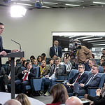 El presidente del Gobierno, Pedro Sánchez, durante su comparecencia ante los medios de comunicación tras la primera reunión ordinaria del Consejo de Ministros de la XIV Legislatura. Foto: Pool Moncloa www.lamoncloa.gob.es