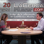 Francho Tierraseca, candidato a la Secretaría General de la Agrupación Local del PSOE Albacete, junto a la periodista Miriam Martínez