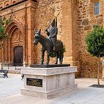 Monumento a La Borrica, en Torrenueva (Ciudad Real).