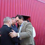 Paco Núñez visita el economato de Cáritas en Toledo.