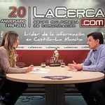 Julián Morcillo, secretario general de UPA Castilla-La Mancha, junto a la periodista Miriam Martínez