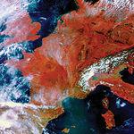 Los procesos de trabajo basados en las nuevas tecnologías constituyen un importante mercado laboral para todo lo referente al medio ambiente. Foto: Tratamiento digital de una imagen de la Tierra vía satélite.