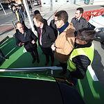 Inauguración de la nueva electrolinera ubicada en la Estación de Autobuses de Albacete. Foto: Manuel Lozano Garcia / La Cerca