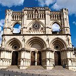 La Catedral de Cuenca empezó a construirse en el siglo XII, siendo uno de los monumentos emblemáticos de la ciudad.