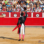 Andrés Palacios, en su primer toro al que le cortó una oreja.
