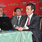 """Luis Quintín Villamayor, responsable del departamento de promoción de vinos del Instituto de Promoción Exterior de Castilla-La Mancha (IPEX), pronunción la conferencia que llevó por título """"Mercados internacionales del vino""""."""