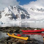 El hidrógeno, muy abundante por toda la tierra, no se encuentra libre en la naturaleza pero se puede liberar del agua mediante electrólisis. Foto: Paisaje del Océano Ártico.