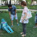 El Ayuntamiento hace un llamamiento al civismo y al respeto por las esculturas instaladas en el Parque Abelardo Sánchez de la capital