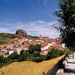 El turismo rural está teniendo una especial importancia en el desarrollo de algunas zonas de la Serranía de Cuenca, convirtiéndose en su principal fuente de ingresos. Foto: Localidad de Huélamo.
