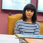 Carmen García, bibliotecaria del I.E.A. especializada en el CEDOBI.
