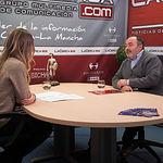 Carlos Pedrosa, secretario general de UGT Castilla-La Mancha, junto a la periodista Miriam Martínez