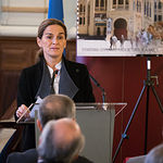 Leonor Carrilero en la Presentación de la nueva emisión  del sello de Correos de la de la serie 'Efemérides' que conmemora el centenario de la Plaza de Toros de Albacete