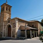 Iglesia de San Felipe y Santiago Apóstol en Cobisa (Toledo), de la que destaca su campanario mudéjar.
