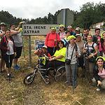 Usuarios, familiares, monitores y voluntarios de AMIAB durante el Camino de Santiago.