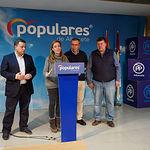 Candidatos y miembros del Partido Popular de Albacete durante el recuento de las votaciones de las Elecciones Generales 10N. Foto: Manuel Lozano Garcia / La Cerca