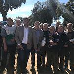 Manuel Miranda asiste al concurso de arada con tractor y gazpachada popular en Alatoz con motivo de San Isidro Labrador.