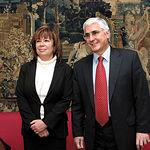 El presidente de Castilla-La Mancha, José María Barreda, y la entonces ministra de Medio Ambiente, Cristina Narbona, tras el acuerdo alcanzado el 14 de Marzo de 2005 en materia de agua.
