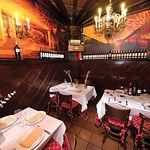 Coqueto y acogedor, el Birubi destaca por su amabilidad y trato cercano al cliente. En la imagen, salón del Restaurante.