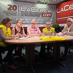 Caridad Aguilar, jubilada de Enfermería, Juani Martínez, jubilada de Enfermería, Esteban Ortiz, jubilado de Educación, Ramón Martínez, jubilado de Correos, junto a Manuel Lozano, director del Grupo Multimedia de Comunicación La Cerca
