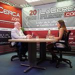 Pedro Antonio Ruiz Santos, delegado provincial de la JCCM en Albacete, junto a la periodista Carmen García.
