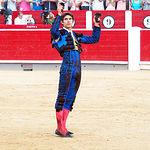 Sebastián Castella - Su segundo toro - Luciendo sus dos orejas conseguidas - 10-09-16