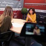 Orlena de Miguel, portavoz de Ciudadanos en Castilla-La Mancha, junto a la periodista Miriam Martínez